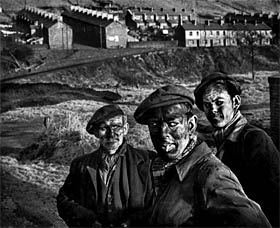 3-generations-of-welsh-miners-eugene-smith